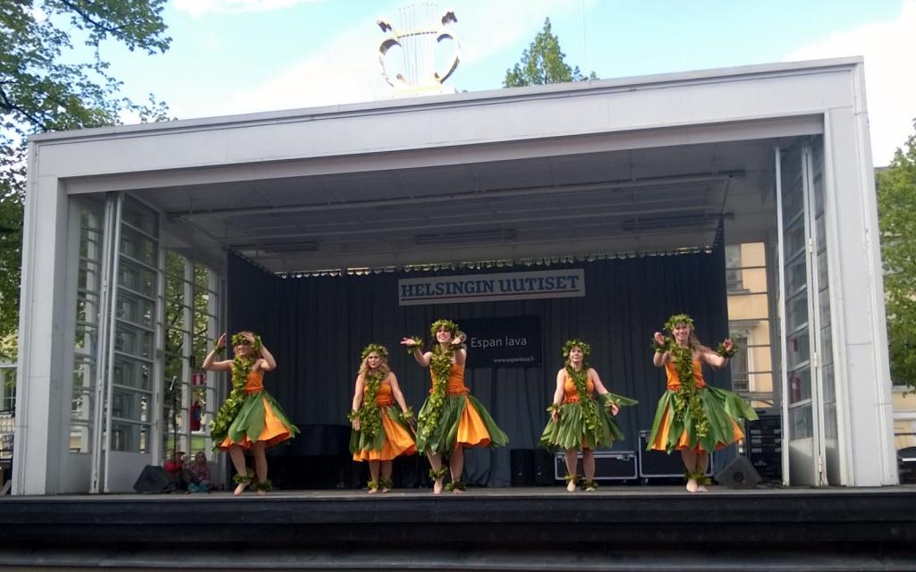 Tahiti 'Oa'Oa Espan lavalla kesäkuussa 2015