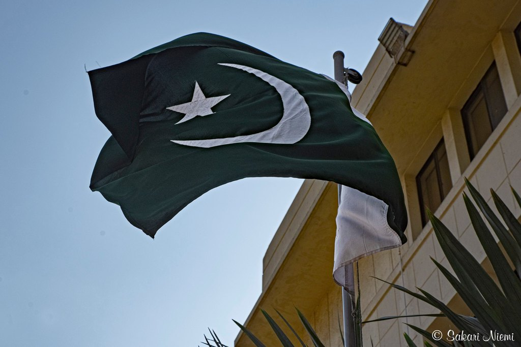PK_200123 Pakistan_0018 Maan lippu Karachissa Sindhissä